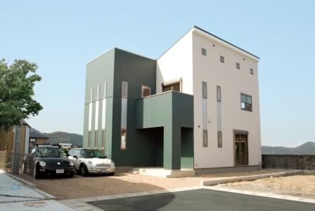 シンプルなデザインのツーバイフォー住宅